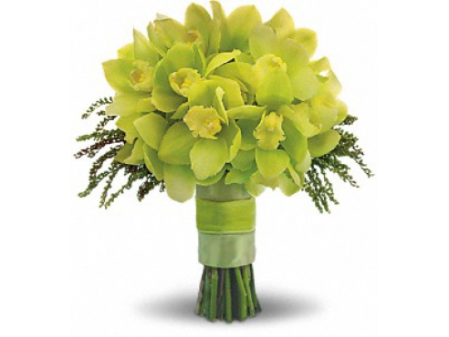 Букет невесты из 17 орхидей и вероники.