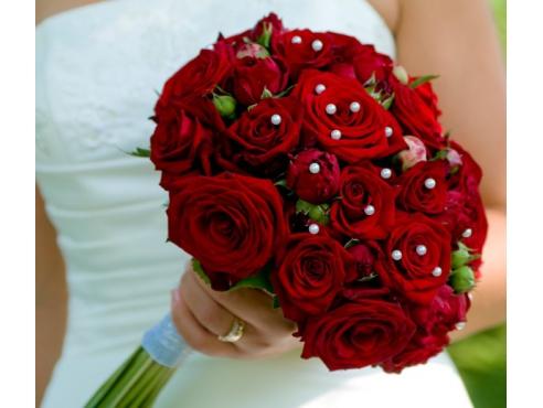 Букет невесты из российских роз
