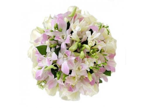 Букет невесты из 17 орхидей 11 роз и фрезией.