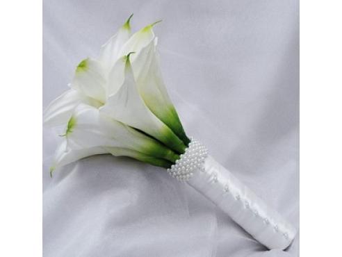 Букет невесты из нежных калл.