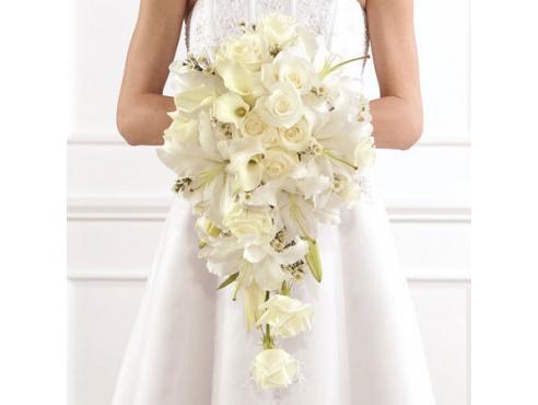 Букет невесты из 11 роз,лилии,калл.хомелациум