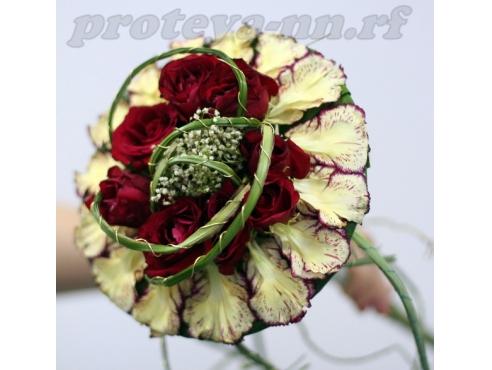Креативный букет невесты из лепестков гвоздики