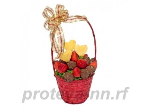 фруктовая корзина с конфетами