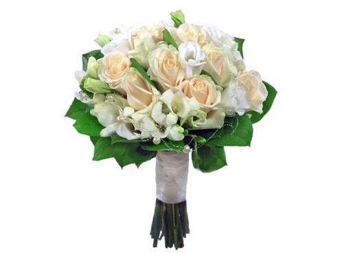 Букет невесты из эустомы с розами
