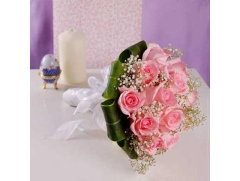 Букет невесты из роз в портбукетнице