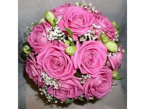 Букет невесты из роз и альстромерии в портбукетнице