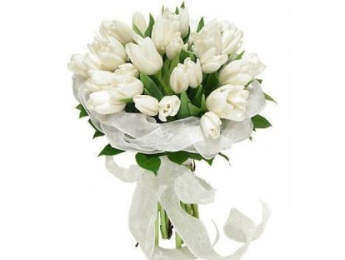 Букет невесты из тюльпанов с салалом