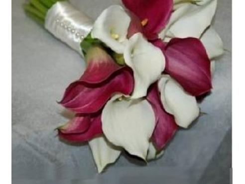 Букет невесты из нежных калл