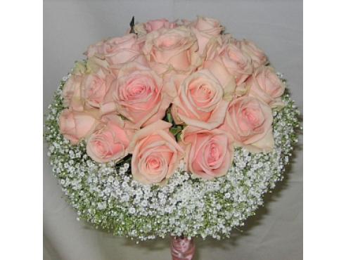 Букет невесты из 17 розовых роз
